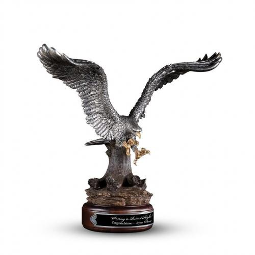 Altisimo Cast Resin Eagle with Walnut Base