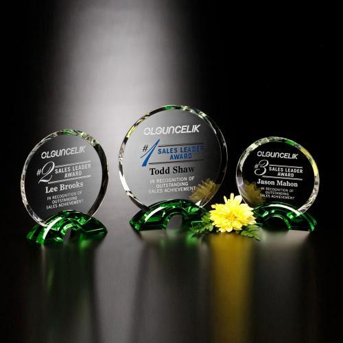 Greenbrier Optical Crystal Circle Award on Emerald Arch Base