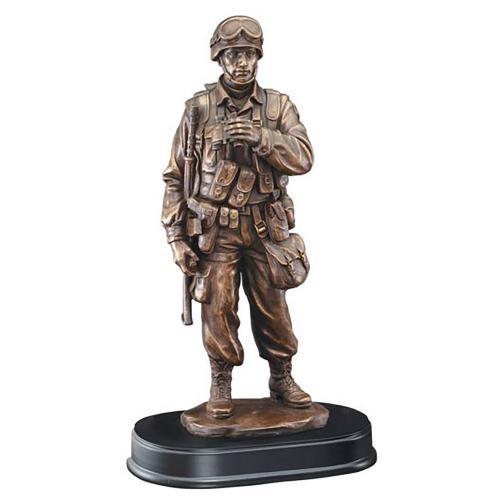 American Hero Resin Military Award with Binoculars